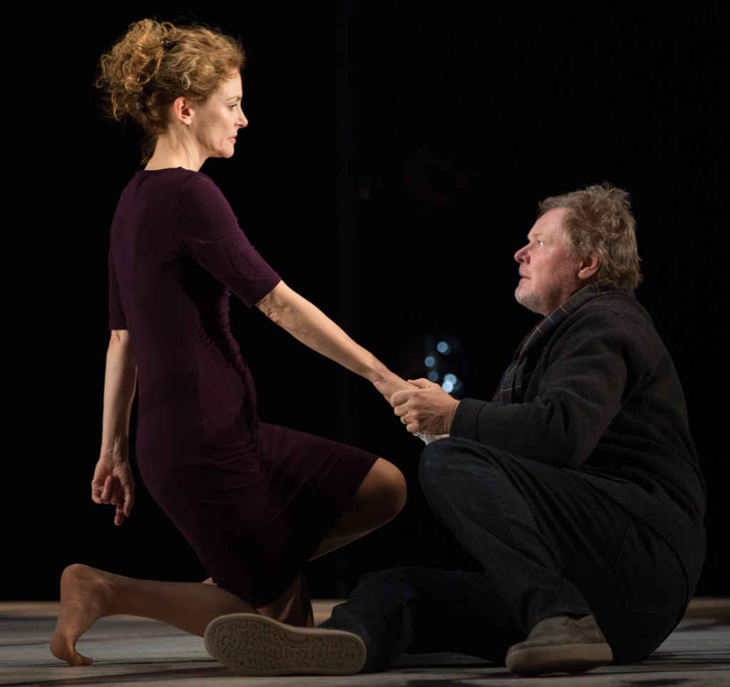 Leslie Hope et Geraint Wyn Davies dans Liv Stein au Canadian Stage. (Photo: Cylla von Tiedemann)