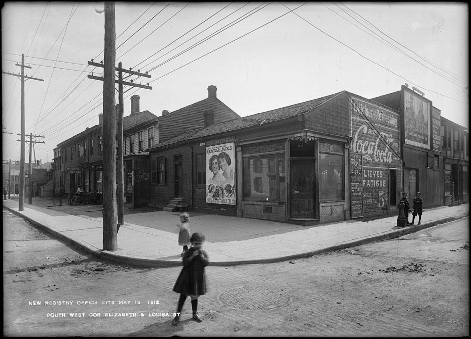La rue Elizabeth de Toronto en 1912.