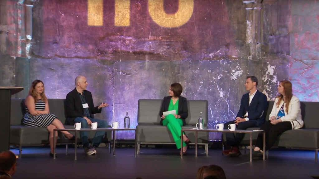 La discussion était animée par la journaliste Jacqueline Milczarek, vp chez iPolitics Live.