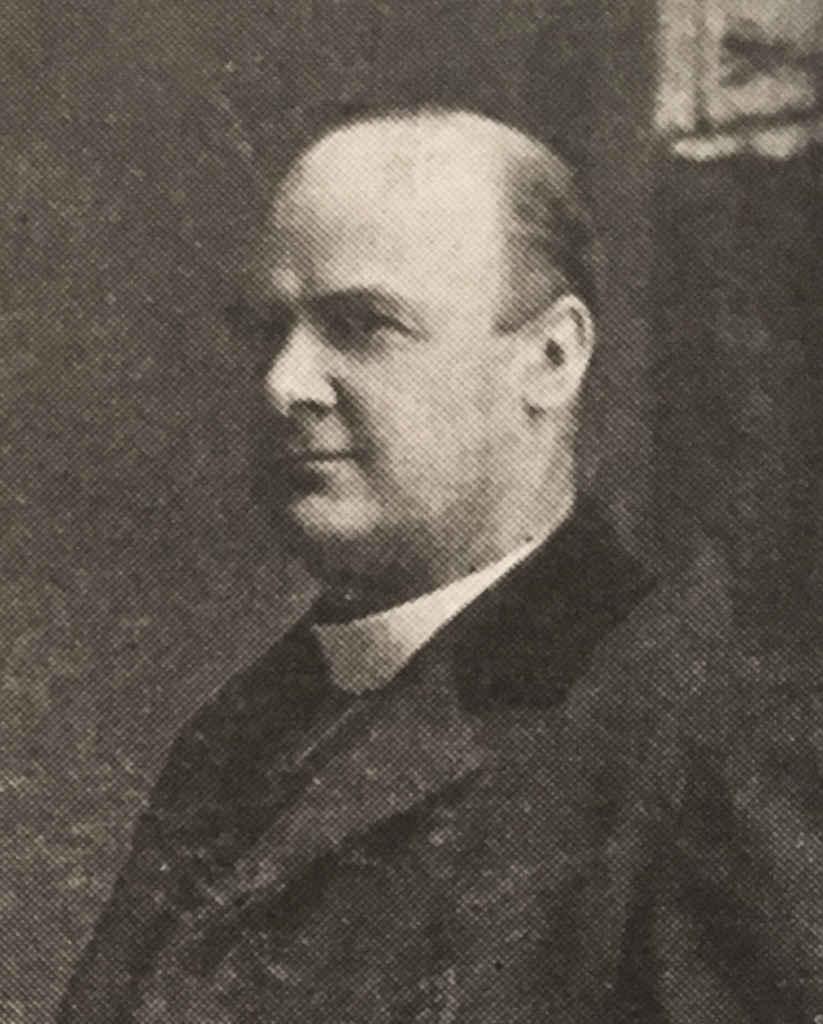 Le père Philippe Lamarche.