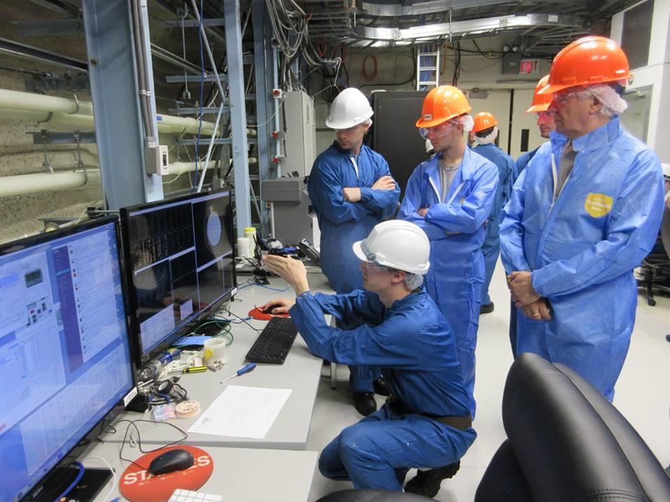 Préparation à leur visite du CERN, en Suisse, en septembre.