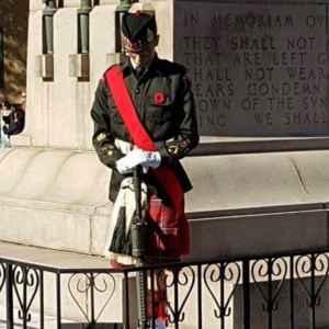 Devin Walker au mémorial de la Porte de Menin à Ypres.