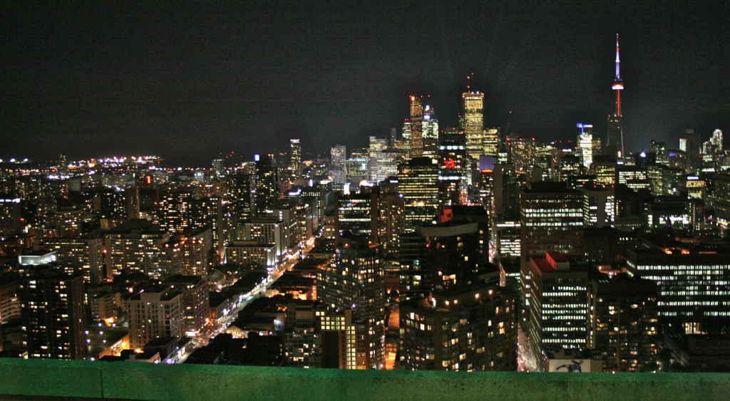 Le centre-ville vu du 51e étage du Manulife.