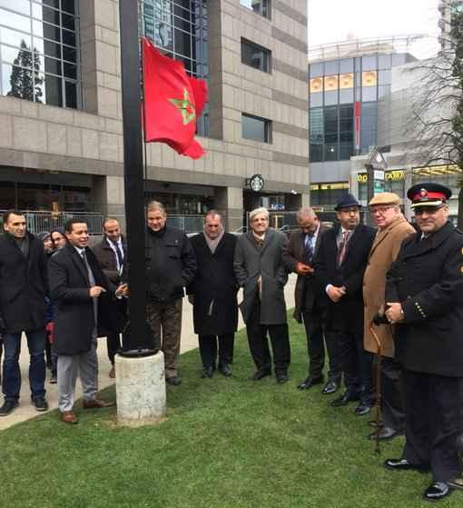 Levée du drapeau marocain au centre civique de North York le 19 novembre.