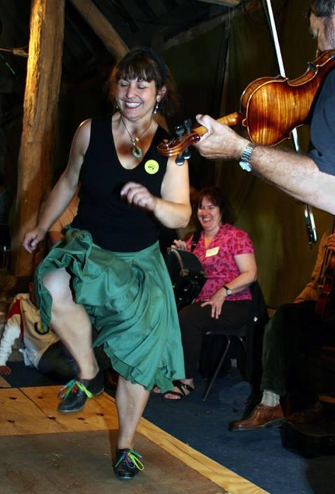 Kerry Fletcher, danseuse de danse traditionnelle anglaise, au festival Body Percussion 2014.