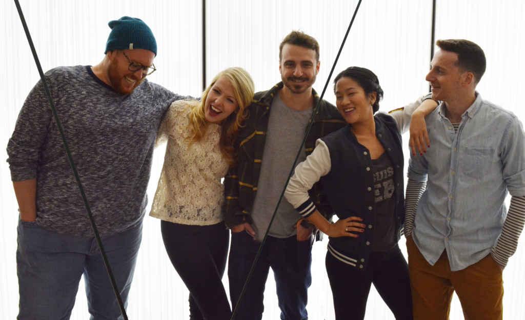 Les comédiens des Zinspirés: Constant Bernard, Mélanie Paiement, Mathieu Bourassa, Meilie Ng et Nabil Traboulsi (Photo: Manuel Verreydt)
