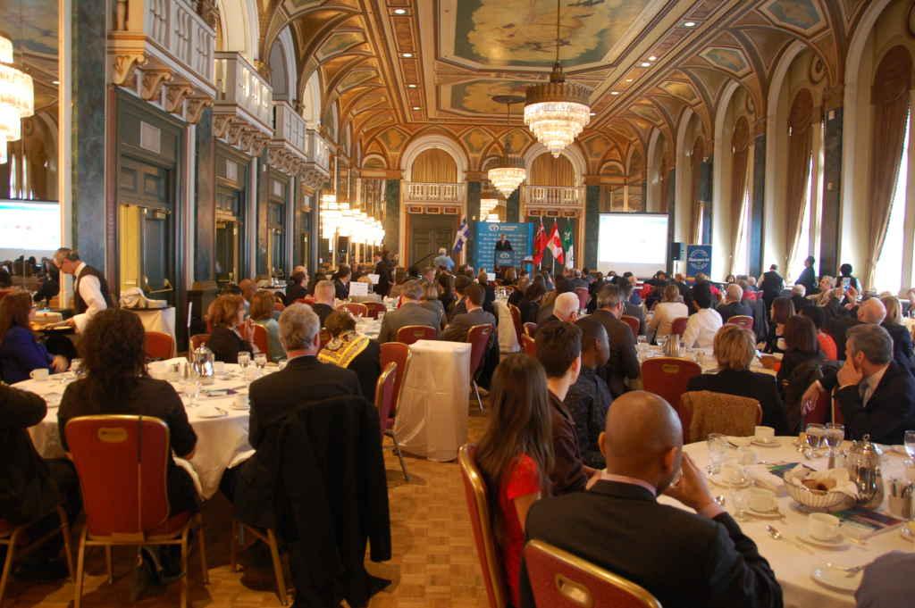 Le Club canadien a rempli la salle de bal du Royal York, mardi midi, pour la causerie du ministre québécois Jean-Marc Fournier.