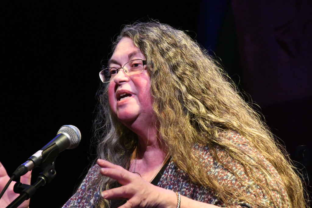 Donna Dudinsky ◊Quand l'étranger frappe à votre porte / Festival de narration de Toronto