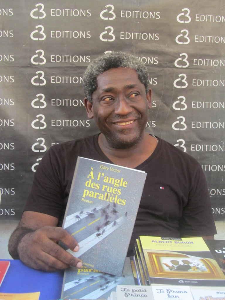 Gary Victor au Salon du Livre de Jacmel