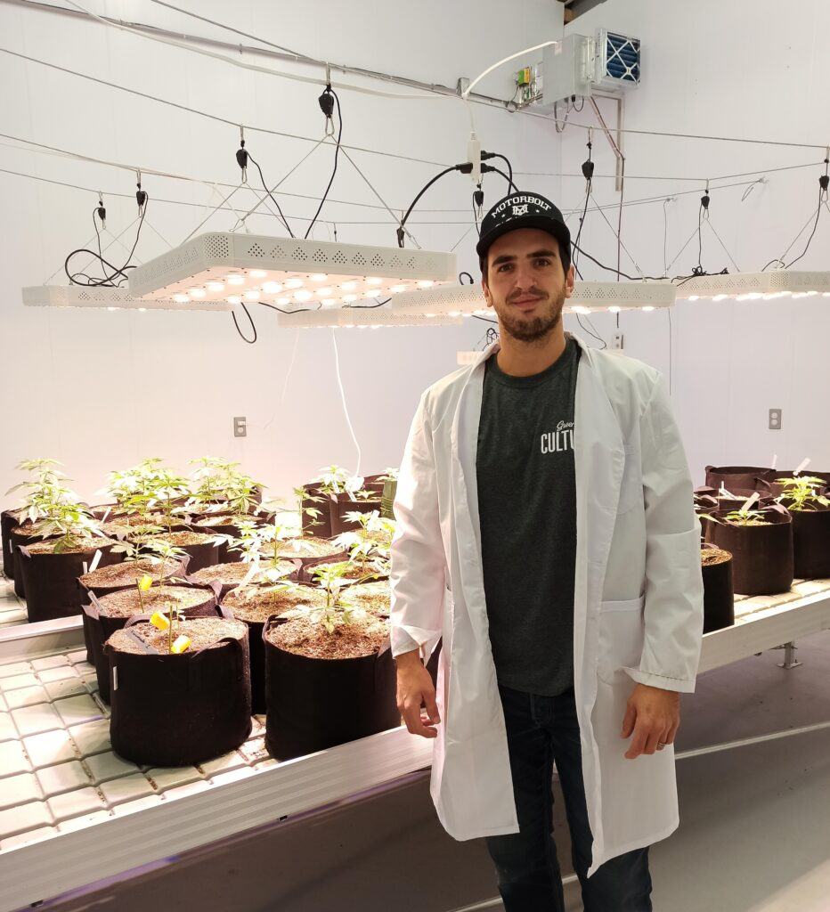 Agricom_microculture cannabis_Vincent Bédard
