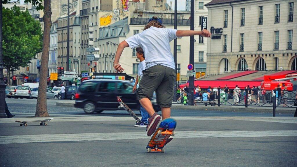 ado-adolescent-skateboard