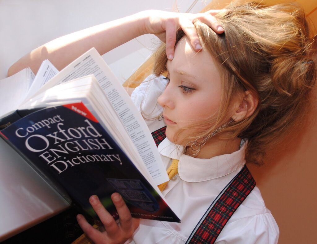 fille dictionnaire anglais anglicismes