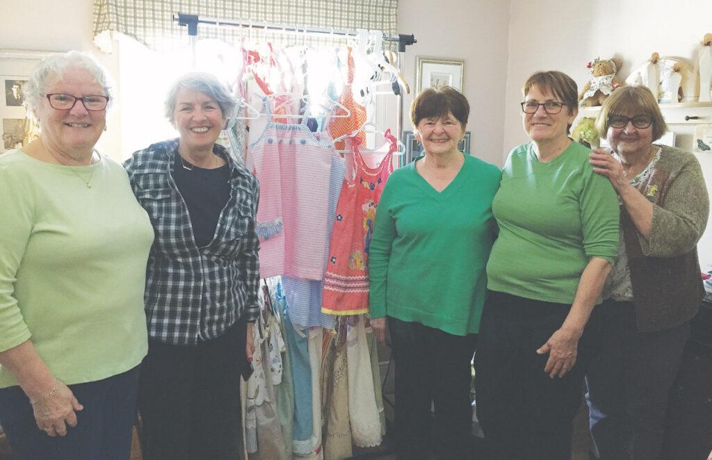 Robes pour enfants, couturières, pays en développement