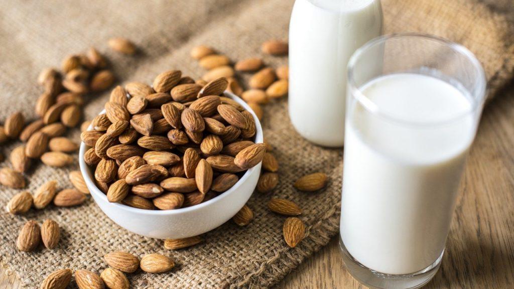 lait d'amandes lait végétal végétaux