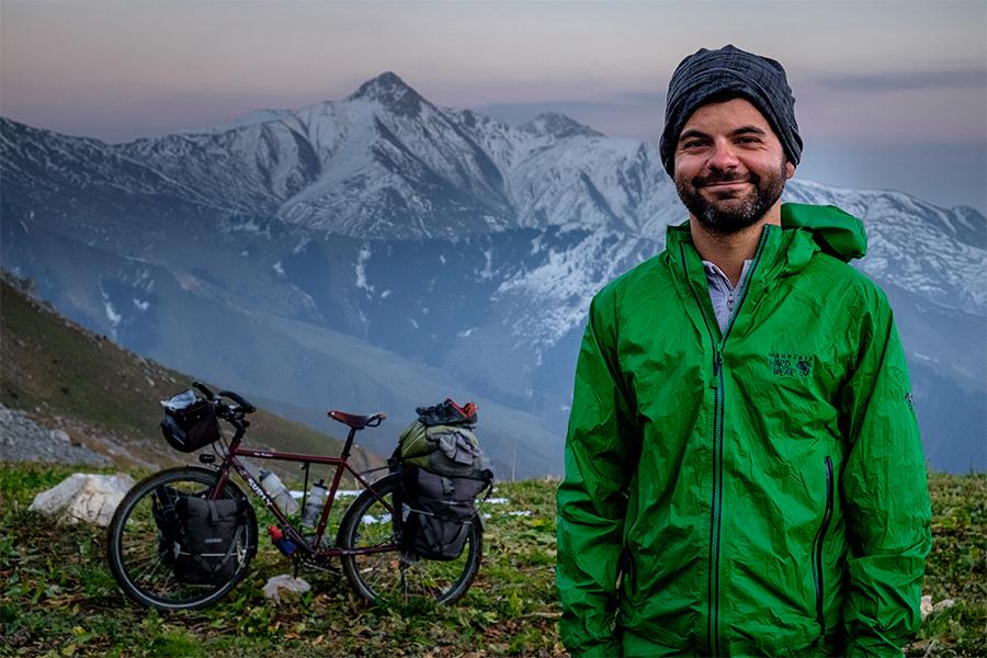 Jonathan B. Roy, vélo, autour du monde, Airbnb